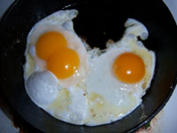 fried duck eggs ไข่เป็ดทอด