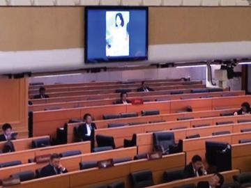 Pornographic image flashing on Thai parliament screen, source: Khao Sod http://goo.gl/8FLOU